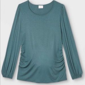 NWT Ingrid & Isabel Maternity LS Blouson Knit Top